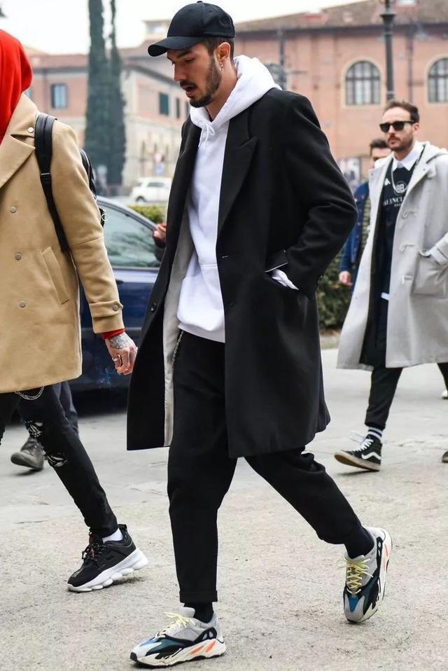 进阶男生卫衣穿搭攻略-Blackwings官网,男士线上个人形象改造专家,形象改造,形象设计,形象管理,形象顾问,穿搭指导,素人爆改,男生发型,男生穿搭,挽回女友